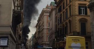 Un autobuz de pasageri a explodat în Roma, ca urmare a unui incendiu