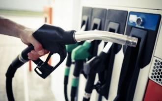 Noi scumpiri la carburanți; Benzina depășește prețul de 19 lei