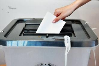 Peste 100 de mii de locuitori ai municipiului Chișinău au votat către ora 13.00