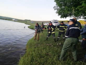 Tragedie într-o familie din Pohribeni; Trei frați de 7,9 și 11 ani s-au înecat într-un lac din localitate