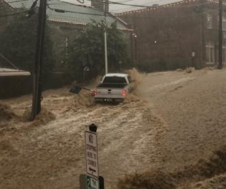 Stare de urgenţă în zone din statul american Maryland în urma inundaţiilor. Nivelul apei a ajuns până 5-6 metri