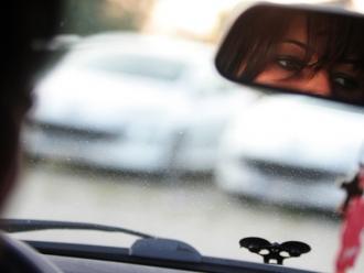 După 50 de ani de INTERDICŢIE! Prima femeie din Arabia Saudită a primit permis de conducere