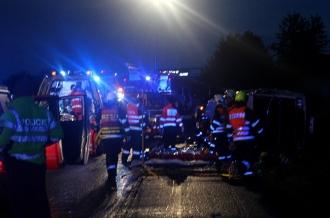 Opt moldoveni, inclusiv trei copii au ajuns la spital, după ce microbuzul în care se aflau, s-a răsturnat în Cehia
