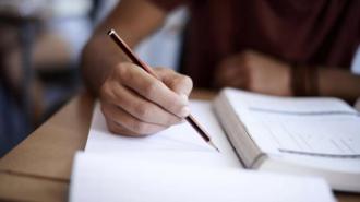 Absolvenţii liceelor susţin examenul la limba străină