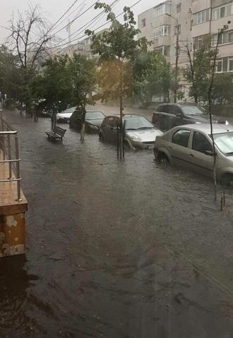Orașul Iași, sub ape în urma unei ploi torențiale
