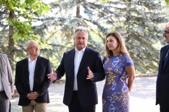 Igor Dodon a avut o întrevedere neformală cu mai mulți ambasadori acreditați în Republica Moldova