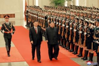 Kim Jong-un efectuează o vizită oficială de două zile în China
