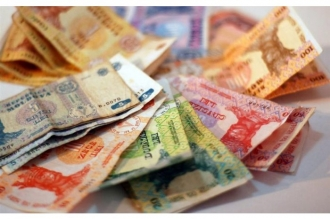 Rata dobânzii la creditele bancare în lei a coborât la un nou minim istoric, 8,63 la sută anual