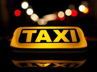 Călătorii sunt îndemnați să ceară bon de plată de la taximetriști