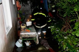 Localități în beznă și gospodării inundate în urma ploii și a vântului puternic