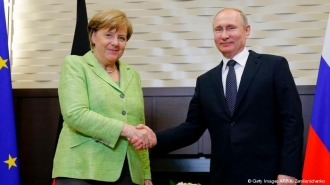 Vladimir Putin şi Angela Merkel se vor întâlni sâmbătă, în apropiere de Berlin