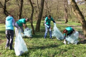 Moldovenii, invitați la curățienie generală