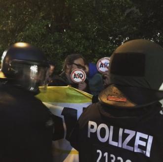 Cel puţin şase persoane au fost rănite după ciocniri între grupuri de protestatari în oraşul Chemnitz din Germania