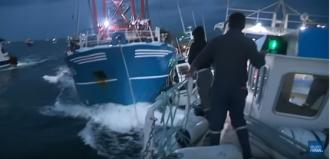 Conflict violent între echipaje de pescuit franceze şi britanice într-un supranumit