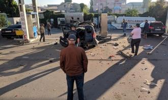 O mașină de taxi a explodat, în timp ce se alimenta la o stație PECO