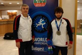 Luptătorul Victor Ciobanu a devenit vicecampion mondial