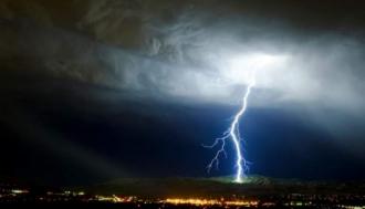 Cel puţin cinci persoane au murit din cauza condiţiilor meteo extreme din Italia