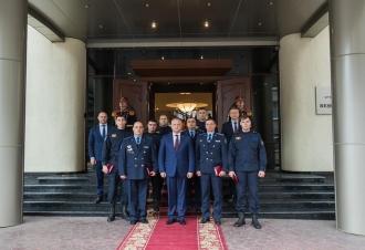 Salvatori și pompieri decorați de președinte
