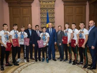 """Diplome de onoare pentru sportivii Federației """"Voievod"""""""
