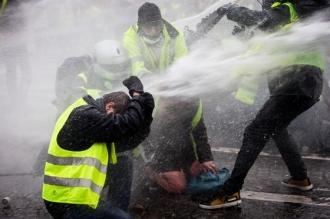 Proteste violente în Grecia, la zece ani după ce un adolescent a fost ucis de poliţie