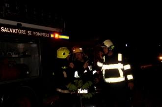 Un bărbat a murit după ce apartamentul în care se afla a luat foc