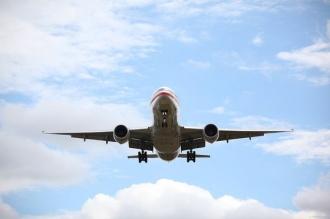 ATERIZARE DE URGENŢĂ: Avion cu 165 de pasageri la bord, care a lovit pista cu coada la decolare, a aterizt la Ekaterinburg