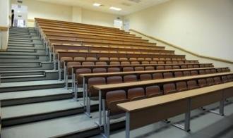 Scade numărul studenților