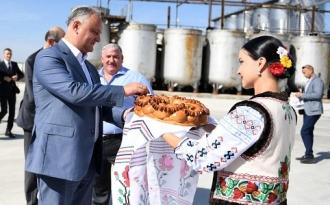 Igor Dodon a vizitat două întreprinderi din raionul Cimișlia