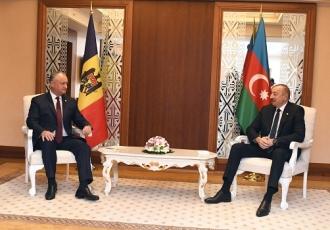 Igor Dodon l-a invitat pe președintele Azerbaidjanului, Ilham Aliyev, într-o vizită în țara noastră