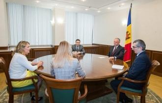 Președintele țării a avut o întrevedere cu noua șefă a misiunii Institutul Internațional Republican în Moldova
