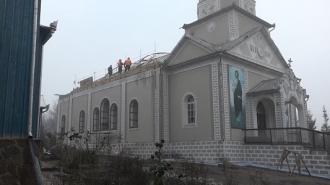 Renaște biserica din Grinăuţi