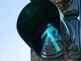 Peste 50 de semafoare sonore, instalate în Capitală