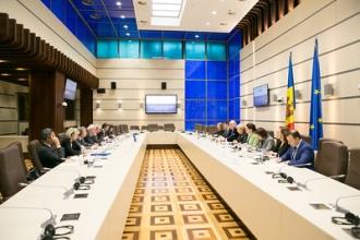 Președintele Parlamentului s-a întâlnit cu Grupul ad-hoc al Consiliului Europei privind reforma în justiție din Moldova