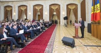 Programele naționale lansate de șeful statului au fost discutate cu toți primarii din țară