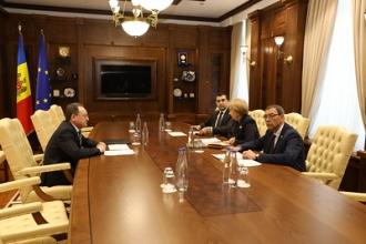 Președintele Parlamentului a avut o întrevedere cu conducerea Comisiei Naționale a Pieței Financiare