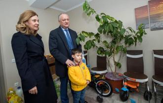 De ziua lui, Igor Dodon a ales să meargă într-o familie, care are nevoie de ajutor