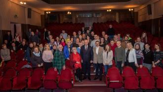 """Șeful statului a vizitat Teatrul """"A. Cehov"""""""