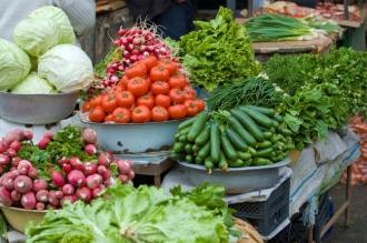 Veste bună pentru agricultorii autohtoni. Pe timp de urgență își vor putea vinde marfa în stradă