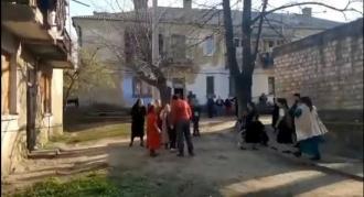 Bătaie crâncenă în Dealul țiganilor de la Soroca. Două familii s-au certat și s-au luat la pumni
