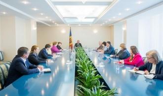 Măsurile anti-criză, discutate de Igor Dodon cu reprezentanții întreprinderilor din industria ușoară