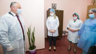 Igor Dodon, la spitalul din Glodeni: Voi lansa o inițiativă̆ de majorare esențială a finanțării sistemului de sănătate