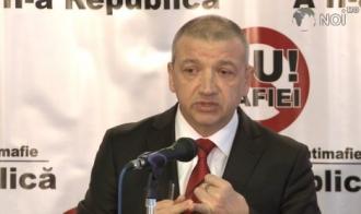 """Sergiu Mocanu susține că Vladimir Plahotniuc trebuie adus în Moldova """"în cușcă"""""""
