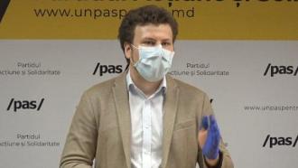 STOP CADRU! Deputatul PAS prezintă măsuri anti COVID în mănuși RUPTE