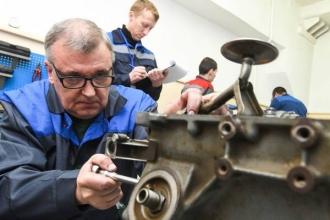 Igor Dodon propune ca pensionarii care lucrează să fie scutiți de plata contribuțiilor de asigurări sociale