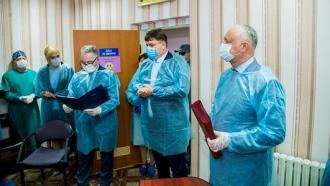 Igor Dodon a vizitat Spitalul raional din Soroca, unde sunt tratați 30 de pacienți infectați cu coronavirus