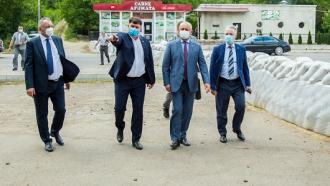 Președintele țării a inspectat digul de protecție de la Soroca, în contextul riscului sporit al inundațiilor