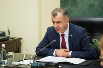 Premierul cheamă opoziția să se gândească la țară și să ofere Guvernului posibilitatea să muncească