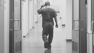 Urmașii personalului medical, decedat de COVID-19, vor primi indemnizații. Comisia a susținut proiectul guvernului