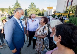 Igor Dodon a povestit despre ce discută cu cetățenii în teritoriu