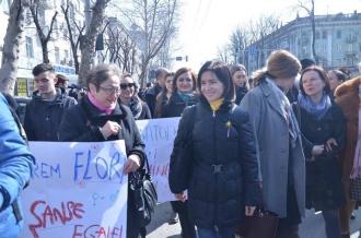 Igor Dodon spune că spre deosebire de Maia Sandu el nu va admite marșurile LGBT